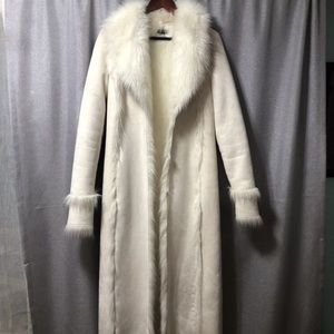 Bebe Fur Coat! Cream colored size small!